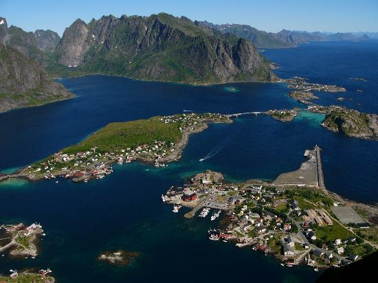 Reine from the mountain