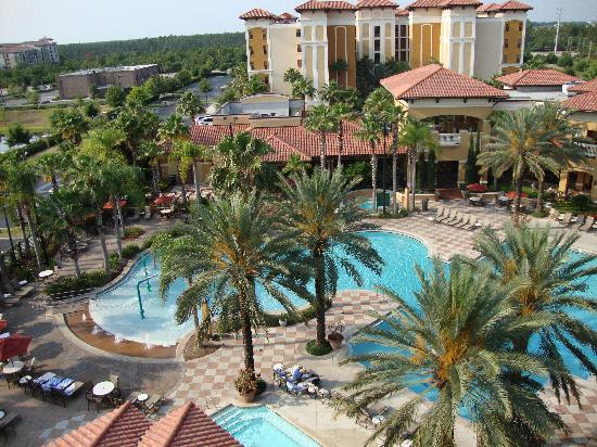 Floridays Resort: The view from our-building B