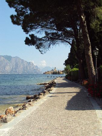 Majestic Palace Hotel: Water front, Malcesine