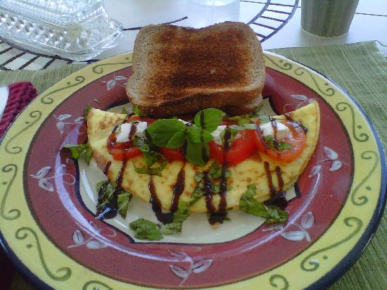 Crane Creek Inn Waterfront Bed and Breakfast: My last morning's breakfast omelet!