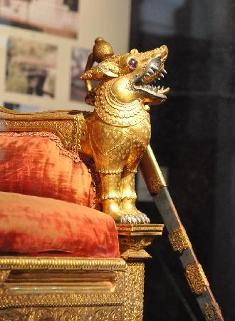 Colombo National Museum : Part of Kandyan throne