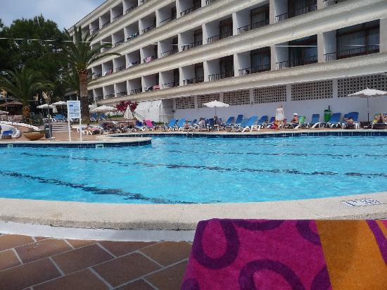 Hotel Son Baulo: Pool area