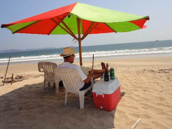 Tenacatita Beach: No services,go in by boat and enjoy the day