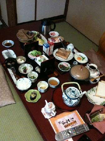 Hokkaikan Ohanabo: Japanese and Western breakfast at Ohanabo.