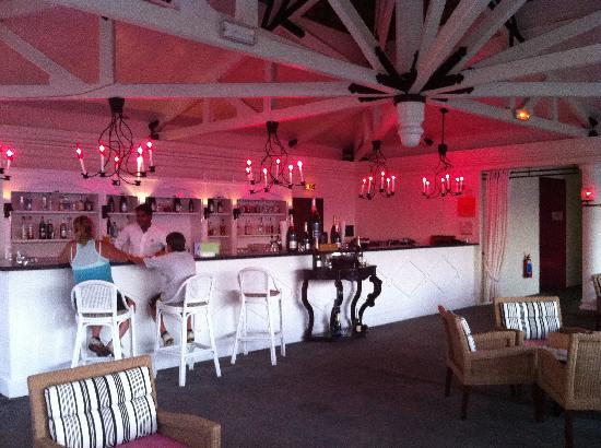 Club Med La Plantation d'Albion: Bar l'Alouda, près de la piscine Zen