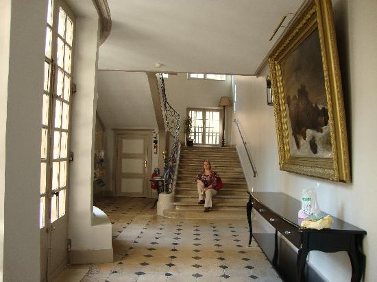 entrance to hotel picture of hotel de guise nancy tripadvisor. Black Bedroom Furniture Sets. Home Design Ideas