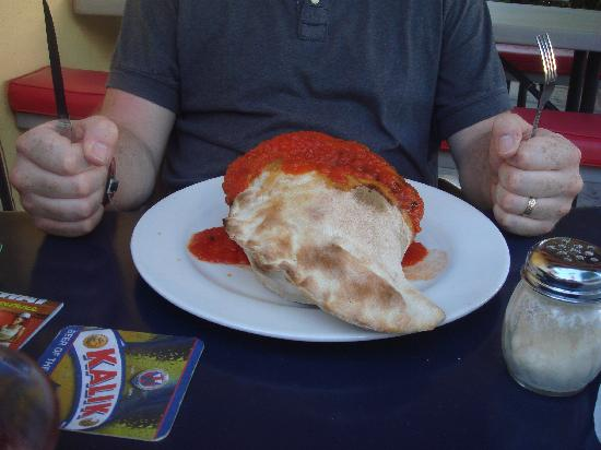 Cafe Milano : Calzone