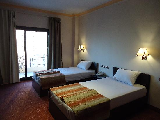 El Tonsy Hotel: Twin room