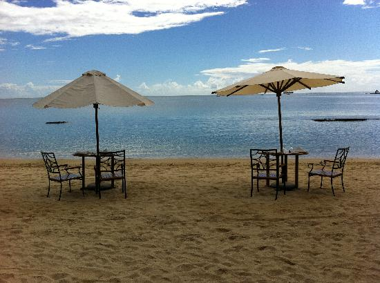 Maritim Resort & Spa Mauritius: Beach tables
