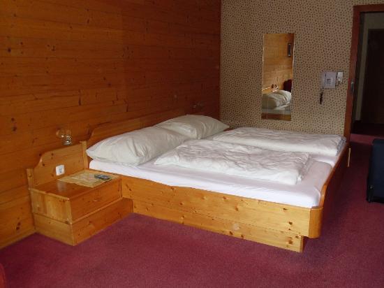 Hotel Post: Bedroom