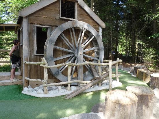 Center Parcs - Domaine des Trois Forets : Minigolf