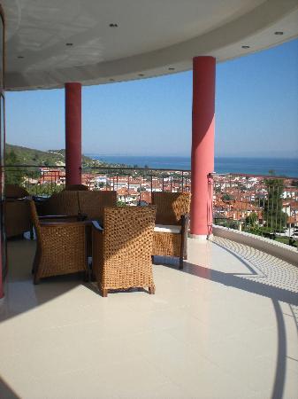 Alia Palace Hotel: View from bar balcony area