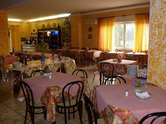 Park Hotel: dining room