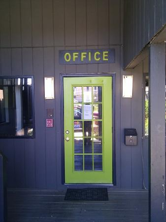 Sole East Beach: Office Door