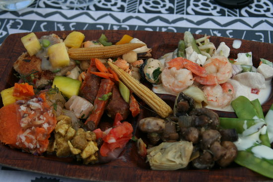 Gathering of the Kings Luau: Polynesian cuisine