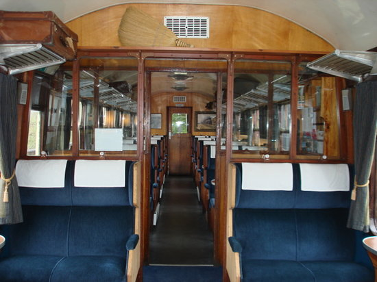 Glenfinnan Station Museum Dining Car : first class dining