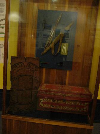 MacBride Museum: armi ed oggetti dei nativi