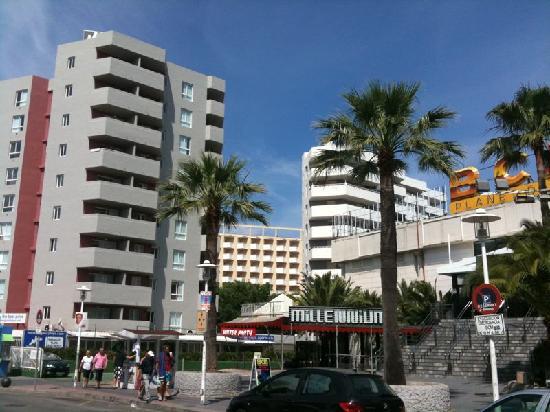 Pool picture of magaluf playa apartments magaluf tripadvisor - Apartamentos magaluf ...