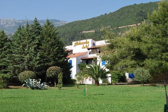 Aleksandar : hotel territory