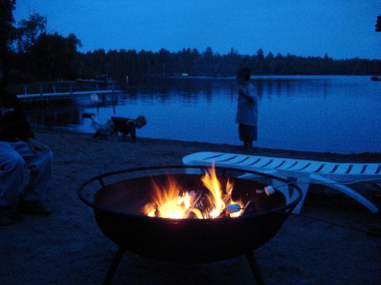 River Point Resort: Campfires