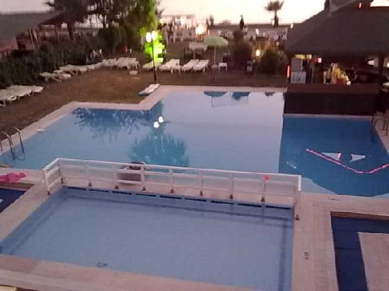 Ceren Hotel: the pool