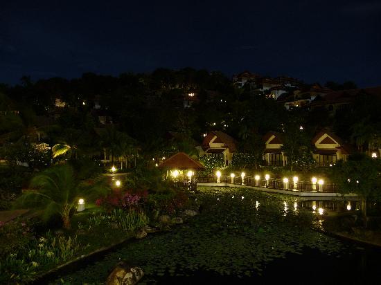 Rawi Warin Resort & Spa: Veduta dal ristorante