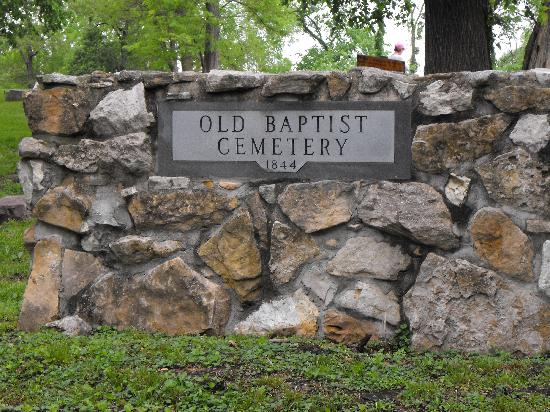 Haunted Hannibal and Historic Tours: Entrance to the Old Baptist Cemetery