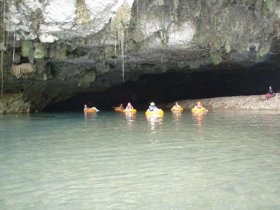 Belize Jungle Trek: Exiting the cave