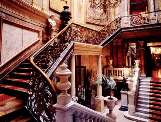 Museo Cerralbo : Escalera de honor.
