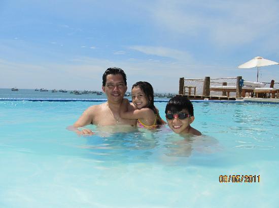 Hotel Grand Mare & Bungalows: En la piscina infinito vista al mar