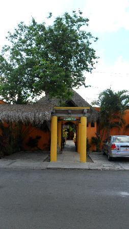 Casita de Maya: the entrance