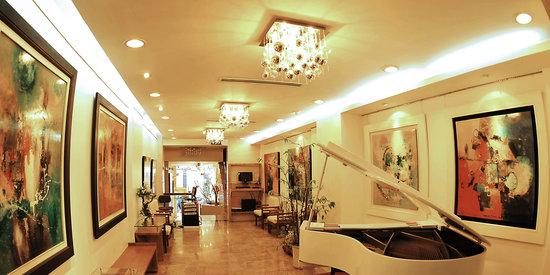 Nova Hotel: Lobby