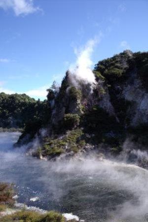 Elite Adventures Rotorua Tours: Waimungu Thermal Valley