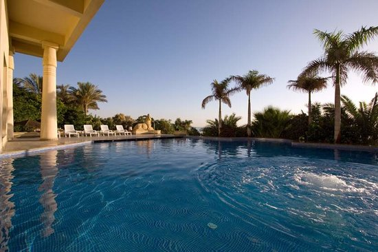 Stella Di Mare Golf Hotel, Ain Sukhna: Thalasso outside pool