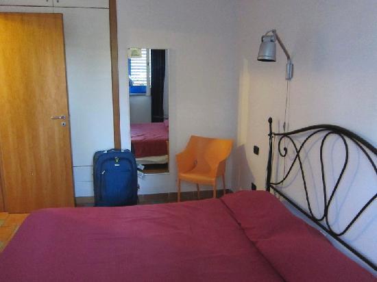 Le Grand Bleu: Apt 101 - bedroom