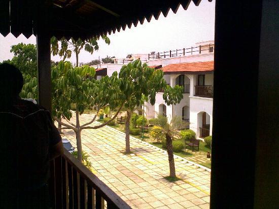Citrus Lakeside Sriperumbudur: The Front View