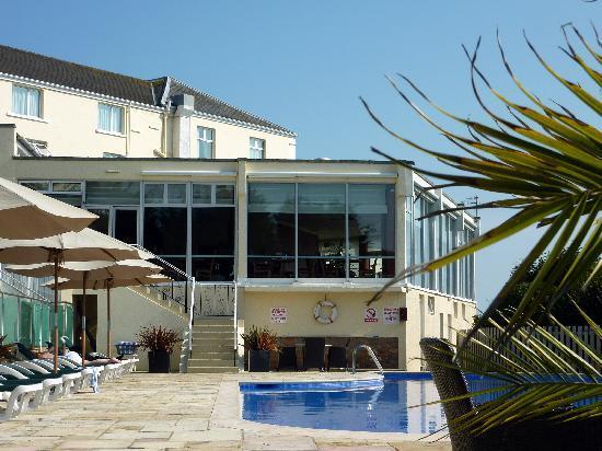 Hotel Cristina: Restaurant, Poolside