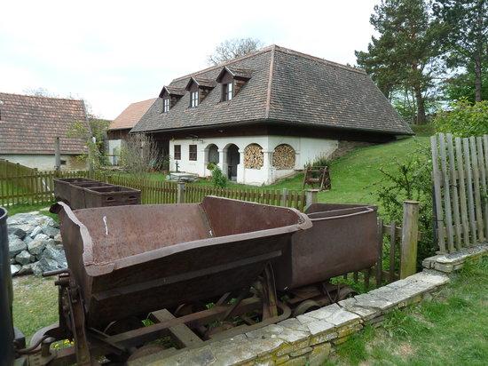 Bernsteiner Felsenmuseum (außen)