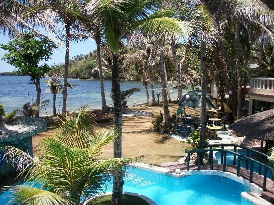 Paradise Bay Beach & Watersport Resort: This was the view from our room.