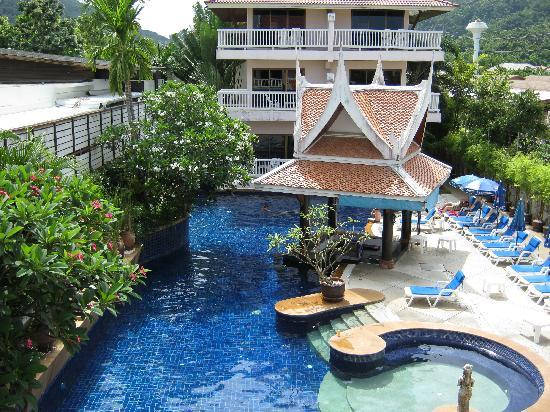 Kata Poolside Resort: Great pool Excellent