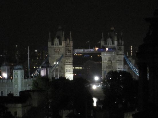 DoubleTree by Hilton Hotel London -Tower of London: vistas desde Mint Hotel Tower of London