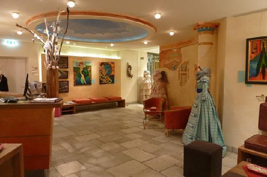 Hotel Sonne: The colourful reception area