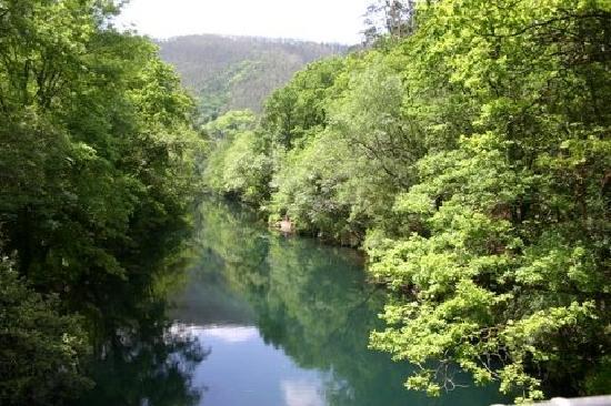Pontedeume, España: Reflexos do rio