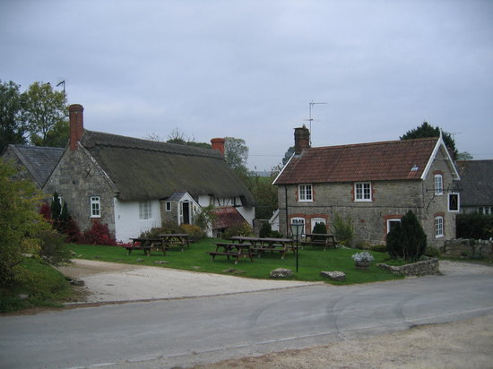 Tisbury, UK: Pub and Guest House