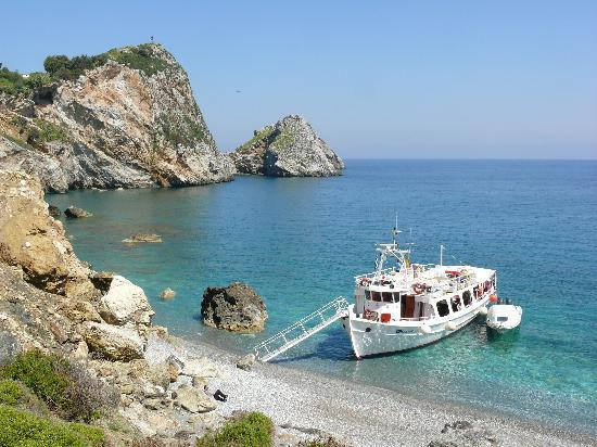 Zorbas In Town Family Studios : Island Boat Trip - view from Kastro