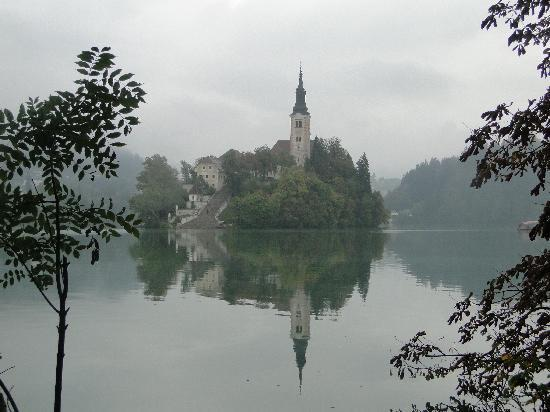 Hotel Ribno: Lake Bled