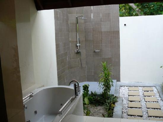 Robinson Club Maldives : Bathroom