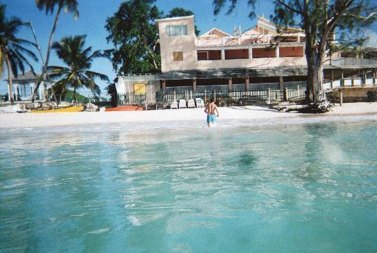 Barbados Beach Club: The beach at hotel