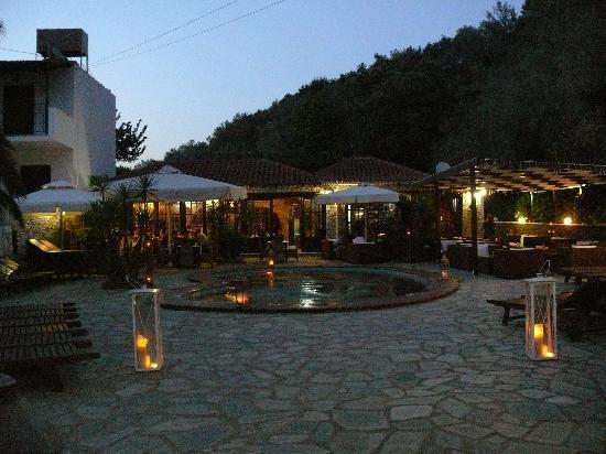 Agia Paraskevi, Yunani: Green Park Restaurant, Aghia Paraskevi, Skiathos