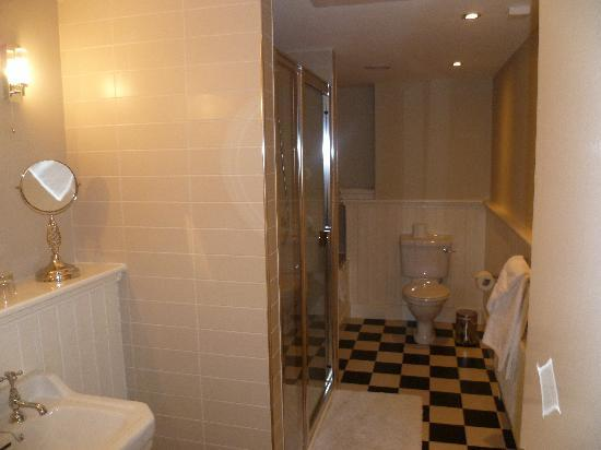 No. 1 Pery Square Hotel & Spa: The penthouse suite bathroom with separate shower and bath tub